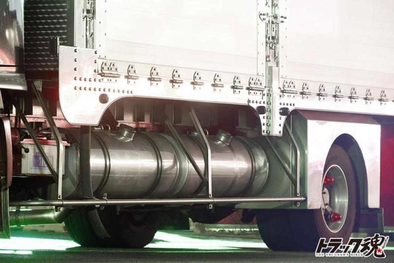 【仕事車礼讃】検見川の房州つくりは房総車体製、洒落心くすぐるシックスナイン! 1