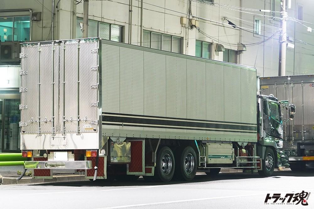 【仕事車礼讃】美しいたたずまいの美紀丸さんの三菱ふそう・スーパーグレート 2