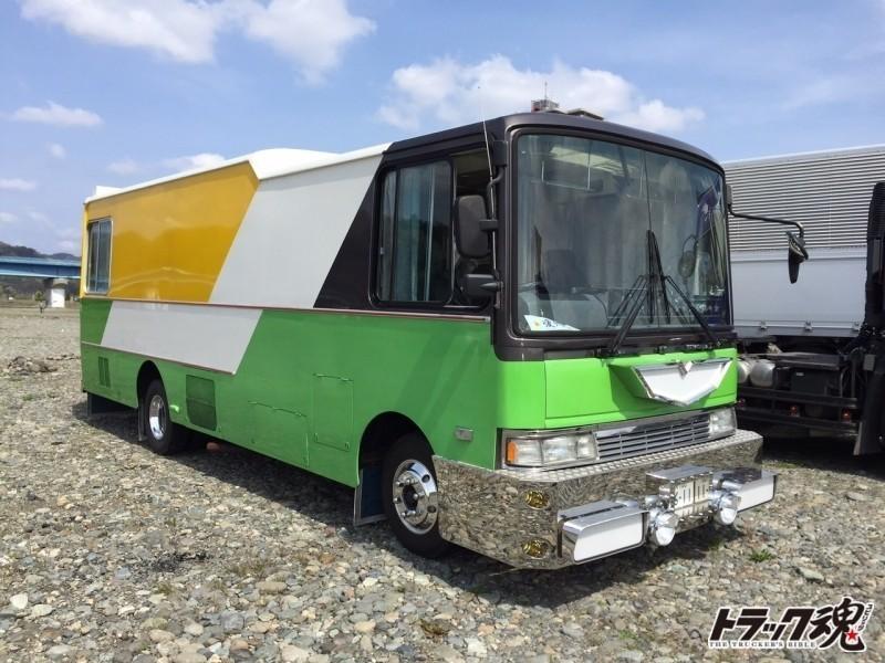 Photo of 激レア日野レンジャーにコボレーンによる可動式バンパーの夢太郎丸トレーラー