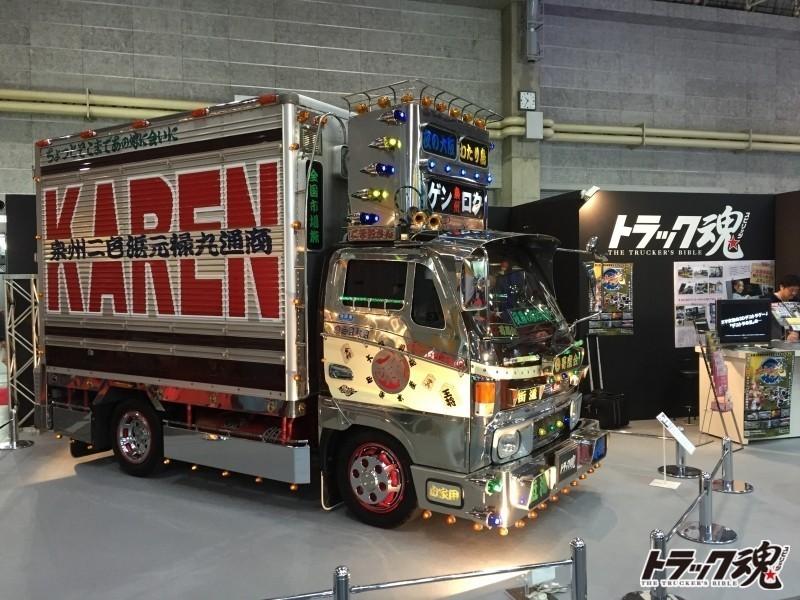 Photo of 【速報】大阪オートメッセにデコトラ君臨!!元禄丸の雄姿をトラックスピリッツブースで堪能ください